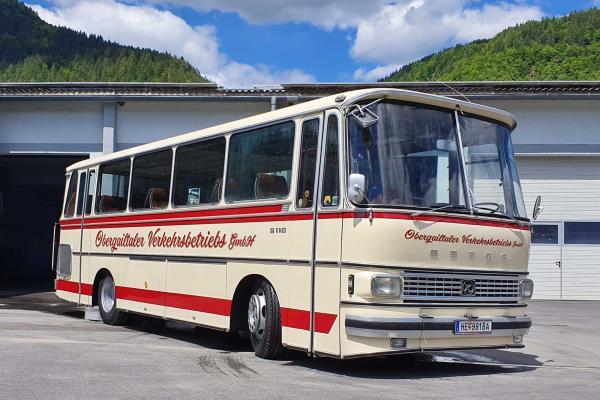 32 Sitzer Oldscool Ausflugsbus